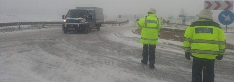 DRUMURI ÎNCHISE Sudul ţării paralizat de viscol şi ninsori puternice Situaţia drumurilor în ţară în timp real – RomaniaTV.net