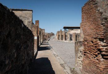 """""""un-loc-incredibil-pentru-cercetare-si-studiu''.-ramasitele-bine-conservate-a-doi-barbati,-un-nobil-si-un-sclav,-descoperite-in-ruinele-orasului-pompei"""