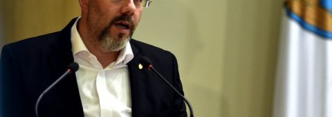 """aurelian-badulescu-anunta-ca-demisioneaza-de-la-sefia-psd-sector-3,-dupa-fotografia-trucata-cu-iohannis-in-chip-de-hitler:-""""actiunea-mea-nu-a-implicat-partidul"""""""