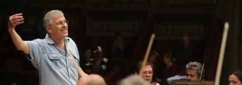 """corul-filarmonicii-""""george-enescu""""-aniverseaza-70-de-ani-in-stagiunea-online,-alaturi-de-pianistul-si-dirijorul-christian-zacharias"""