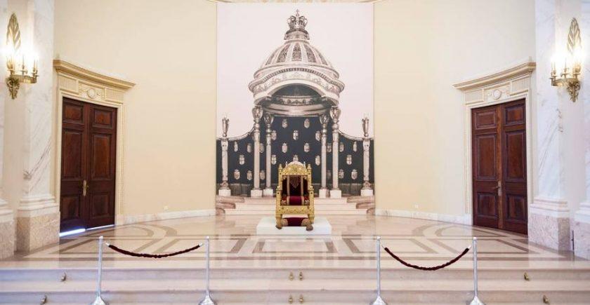 tronul-regilor-romaniei,-expus-la-muzeul-national-de-arta-dupa-mai-bine-de-70-de-ani